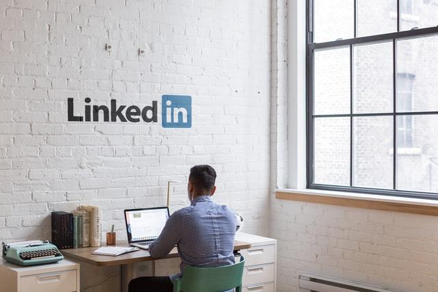 LinkedfIn-Advertising